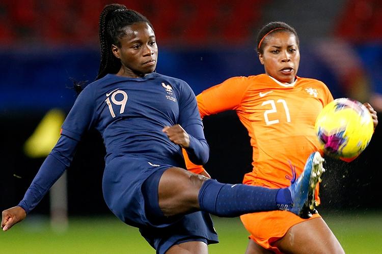 10-03-2020: Voetbal: Vrouwen Nederland v Frankrijk: ValenciennesTournoi de France 2020L-R Griedge Mbock of France and Lineth Beerensteyn of The Netherlands