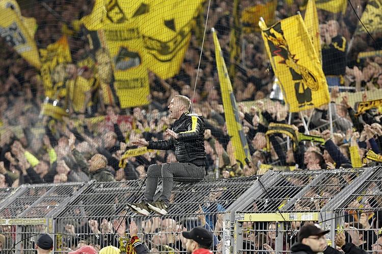 19-10-2019: Voetbal: Borussia Dortmund v Borussia Munchengladbach: DortmundBundesliga Fans of Borussia Dortmund