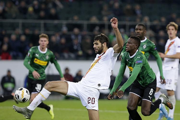 07-11-2019: Voetbal: Borussia Monchengladbach v AS Roma: MonchengladbachUEFA Europe League1-1 from Federico Fazio of AS Roma
